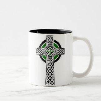 Taza de la cruz céltica
