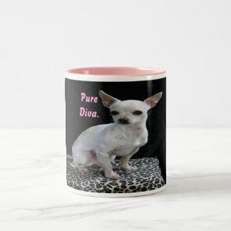 Taza de la diva de la chihuahua del perro