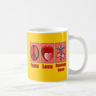 Taza de la enfermera de la ONCOLOGÍA del amor de