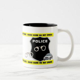 Taza de la escena del crimen del oficial de policí