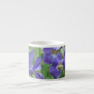 Taza de la especialidad de los bulbos del iris tazita espresso