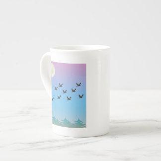 Taza de la especialidad de los pájaros de vuelo taza de porcelana