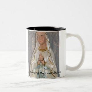 Taza de la estatua de Madonna que llora