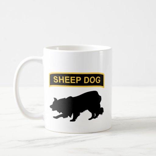 Taza de la etiqueta del perro pastor