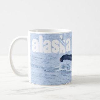 Taza de la foto de las ballenas jorobadas