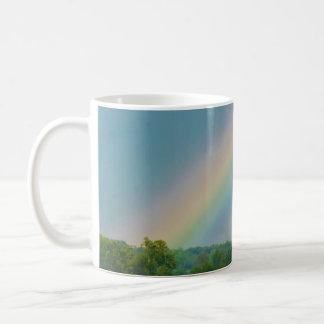 Taza de la foto del arco iris