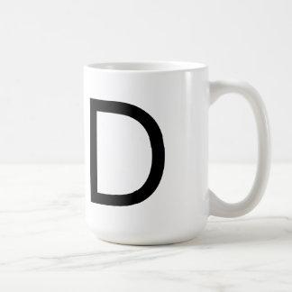 """Taza de la fuente """"D"""" de Futura"""