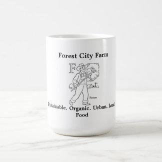 Taza de la granja de la ciudad del bosque