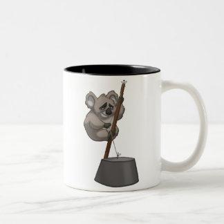 Taza de la koala del washtub-Playin'