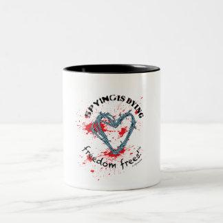 Taza de la libertad (2-color; Mancha del barbwire