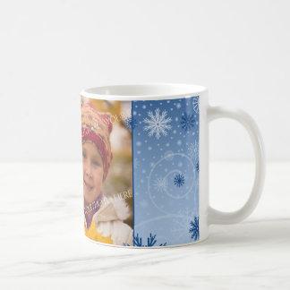 Taza de la mamá de las Felices Navidad de los copo