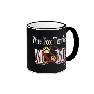 Taza de la mamá del fox terrier del alambre
