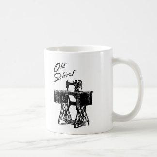 Taza de la máquina de coser del pedal de la escuel