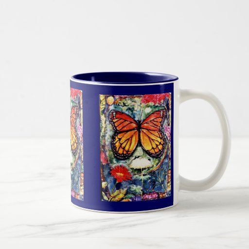 Taza de la mariposa de monarca de PMACarlson