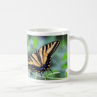 Taza de la mariposa de Swallowtail del tigre