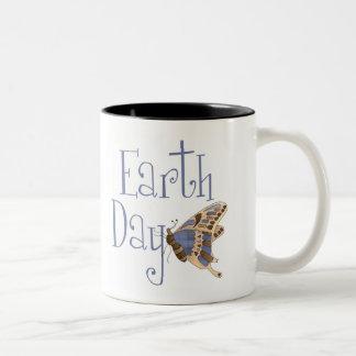 Taza de la mariposa del Día de la Tierra
