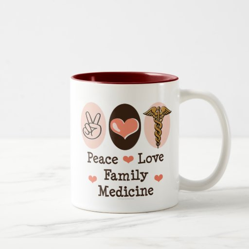 Taza de la medicina de familia del amor de la paz