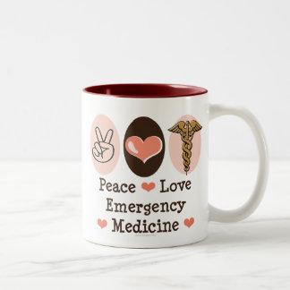 Taza de la medicina de la emergencia del amor de l
