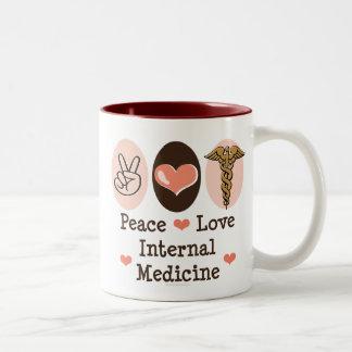 Taza de la medicina interna del amor de la paz