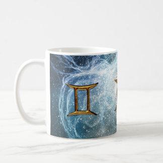 Taza de la muestra de la estrella del zodiaco de l