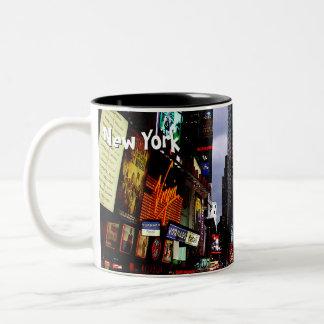 Taza de la noche de Nueva York del Times Square de