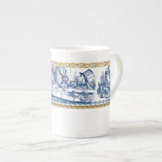 Taza de la porcelana de hueso - país de las