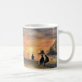 """""""Taza de la puesta del sol de Charlestown"""" Taza Básica Blanca"""