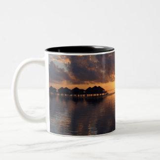 Taza de la puesta del sol de Huahine