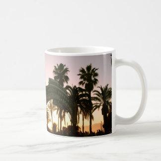 Taza de la puesta del sol de Santa Mónica