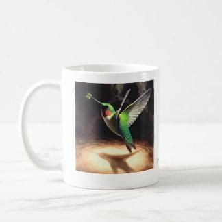Taza de la reflexión del colibrí