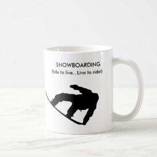 ¡taza de la snowboard! taza clásica