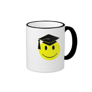Taza de la sonrisa de la graduación