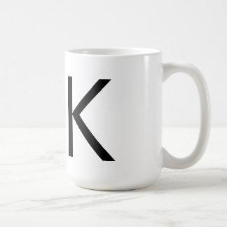 """Taza de la tipografía """"K"""" de Futura"""