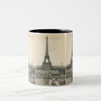 Taza de la torre Eiffel del vintage