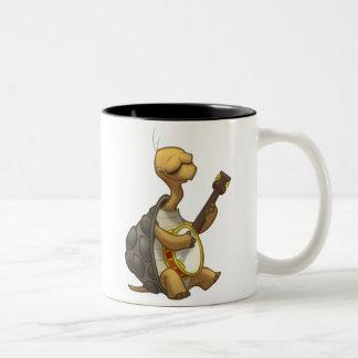 Taza de la tortuga del Banjo-Strummin'
