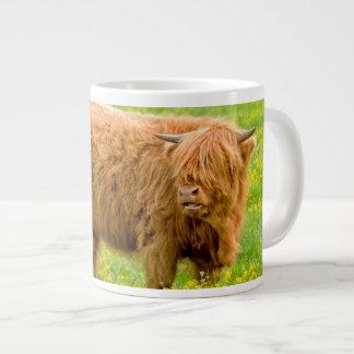 Taza de la vaca de la montaña