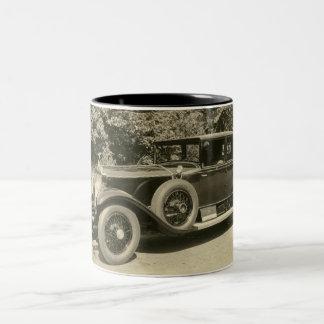 Taza de la vendimia de los coches antiguos