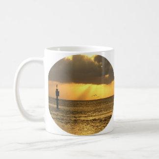 taza de la vigilia de la tarde