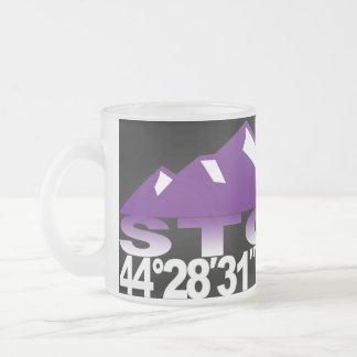 Taza de la violeta de GPS de la montaña de Stowe