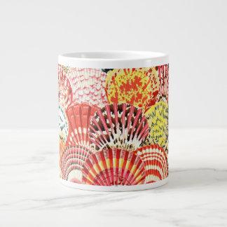 Taza de las cáscaras de concha de peregrino de la taza grande