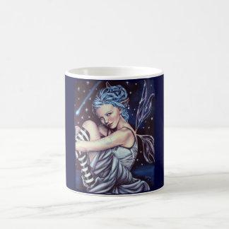 taza de las ilustraciones del faery de las estrell