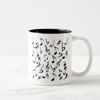 Taza de las notas musicales - blanco y negro