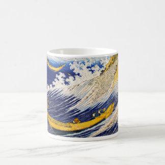 Taza de las olas oceánicas de Hokusai