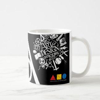 Taza de los alumnos del arte y del diseño