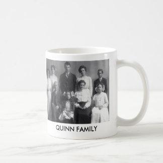 Taza de los ANTECEDENTES FAMILIARES de QUINN