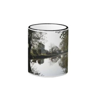 Taza de los árboles del canal de Llangollen