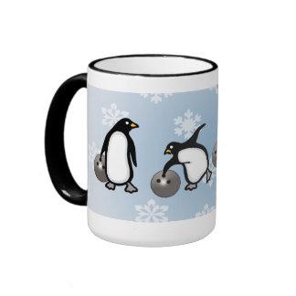 Taza de los bolos del pingüino
