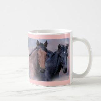 Taza de los caballos salvajes