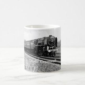 "Taza de ""Oliver Cromwell"" del tren del vapor"