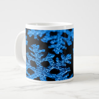 Taza de plata azul del copo de nieve del navidad d taza grande
